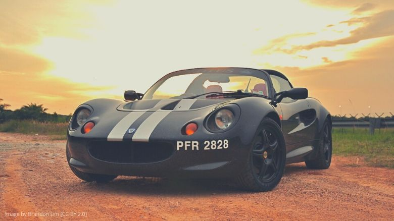 A Lotus Elise S1 with racing stripes