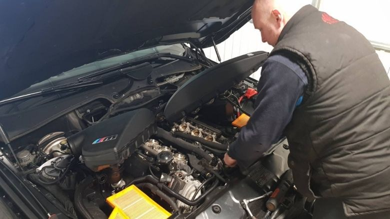 BMW M5 being fixed