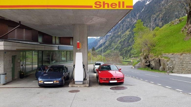 Porsche 944 and BMW 840