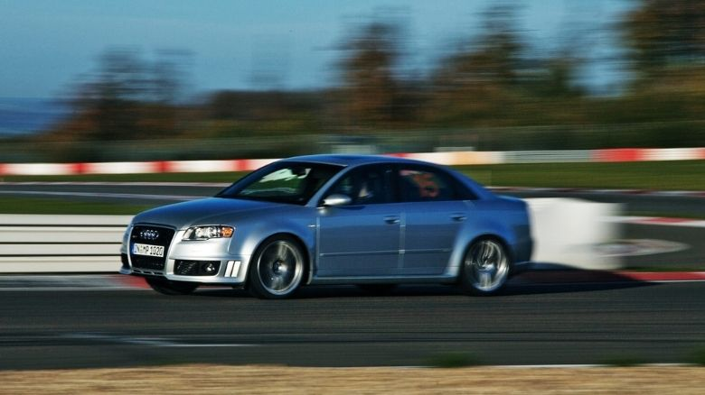 Audi RS4 B7 on the track