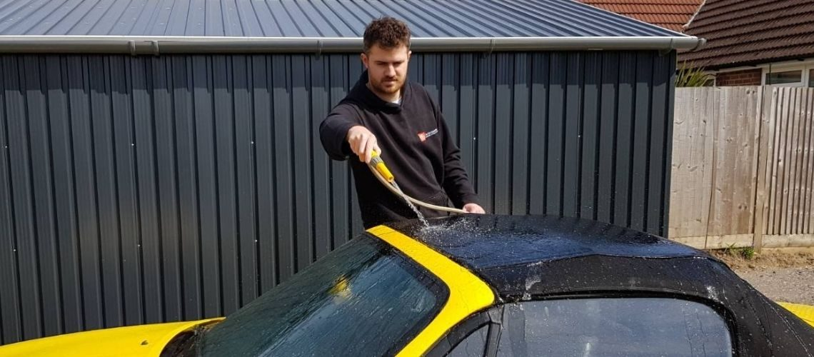 Cleaning a convertible top
